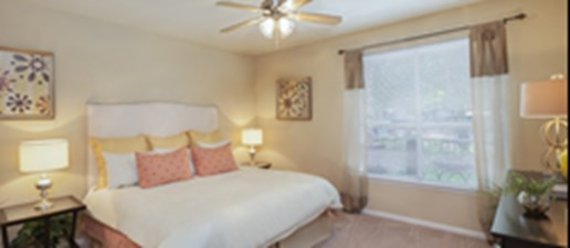 Bedroom at Listing #139029