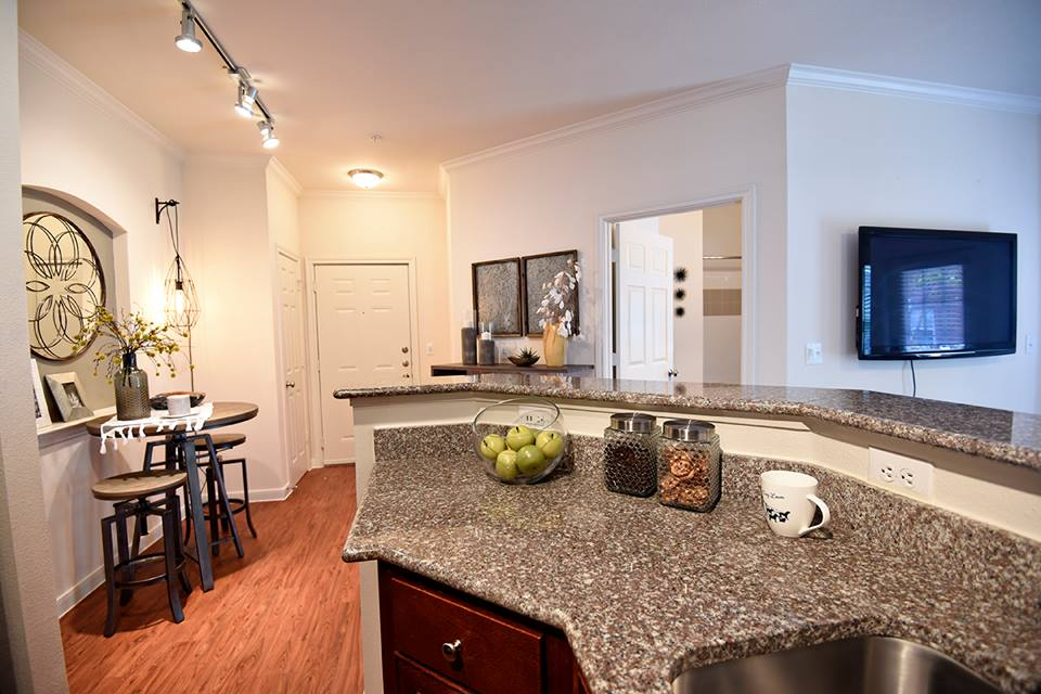 Dining/Kitchen at Listing #152831