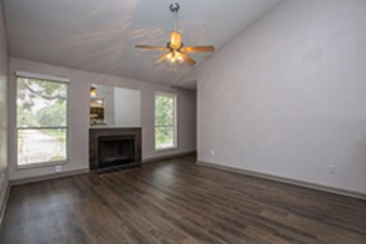 Living Room at Listing #138286