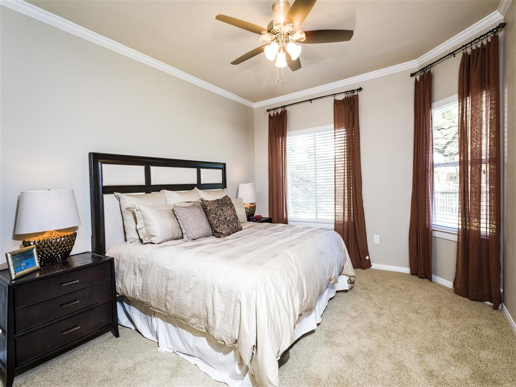 Bedroom at Listing #140640