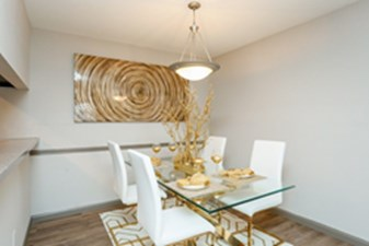 Dining at Listing #139400