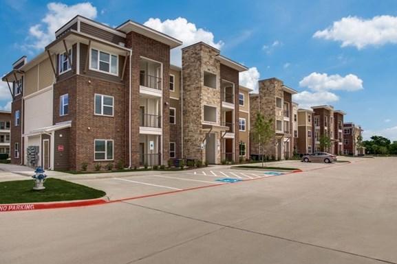 Palladium Glenn Heights Apartments