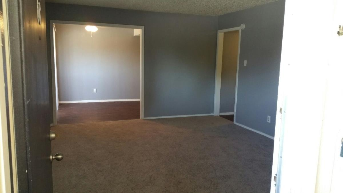 Living at Listing #213283