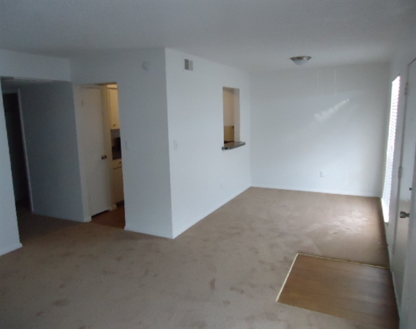 Living at Listing #136916