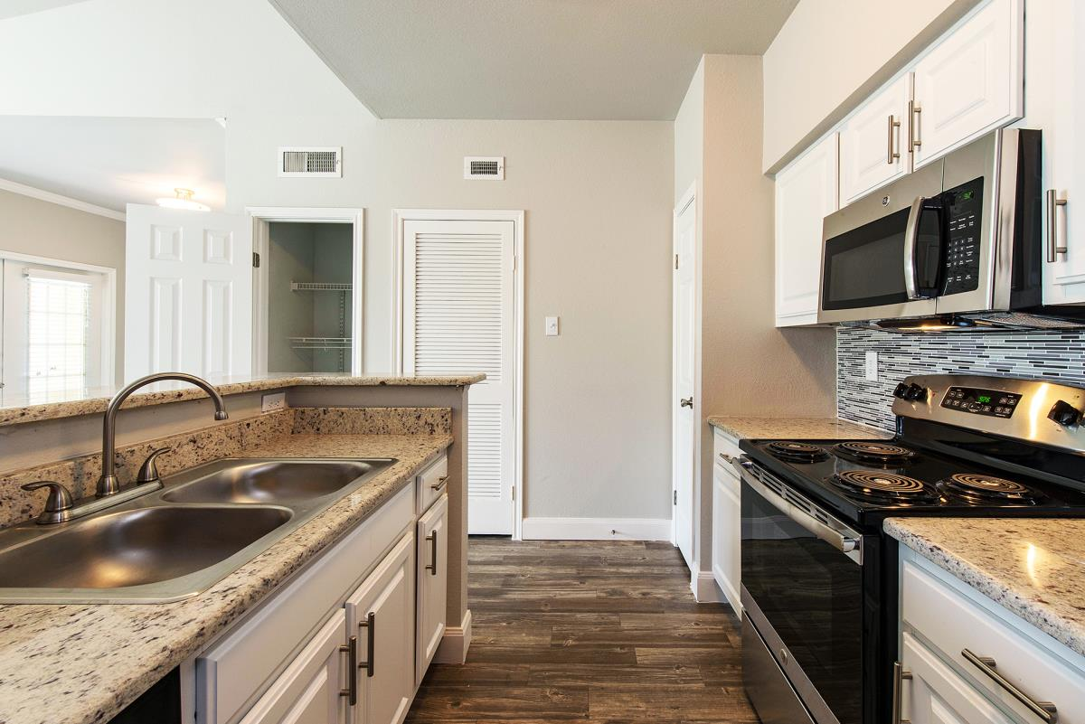 Kitchen at Listing #139448