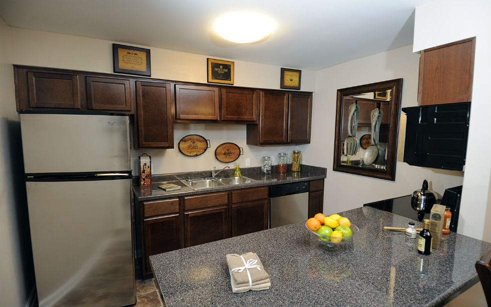 Kitchen at Listing #139184