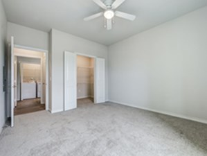 Bedroom at Listing #300136