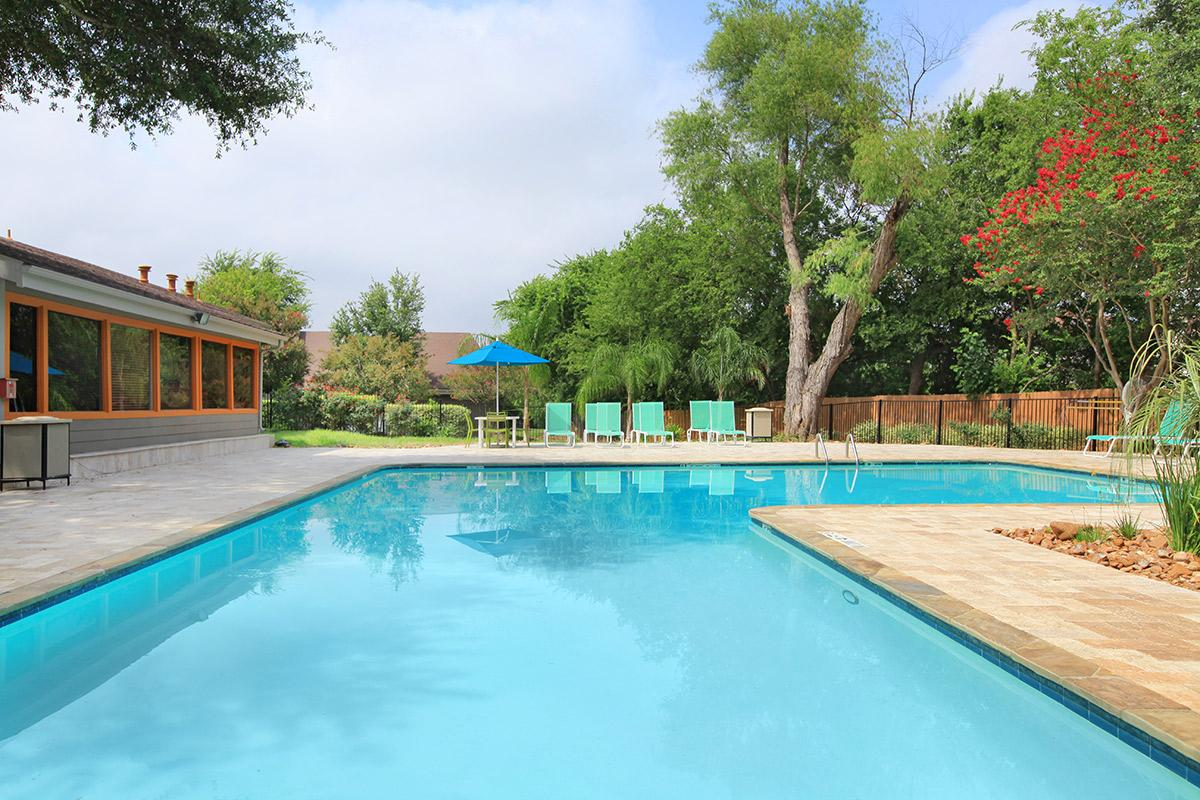 Pool at Listing #140877