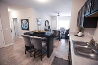 Living/Dining at Listing #299370