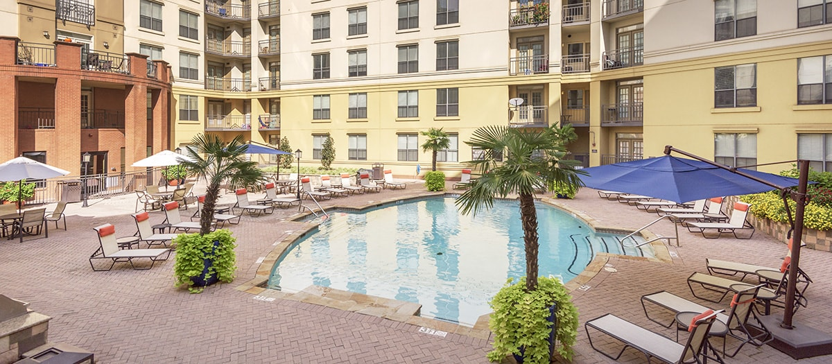 Pool at Listing #136682