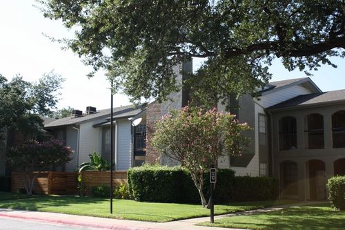Exterior at Listing #136782