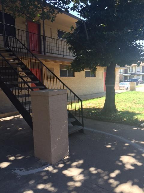Arlington Village at Listing #136725