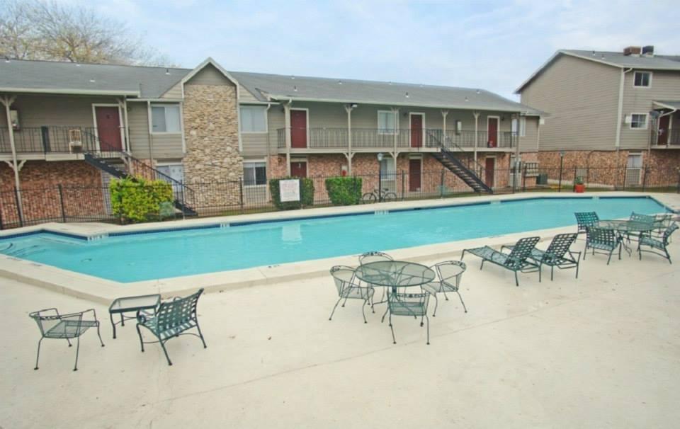Pool at Listing #140470