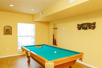 Gameroom at Listing #147501