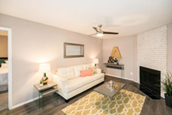 Living at Listing #140544