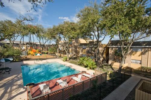 3737 Hillcroft Apartments Houston TX