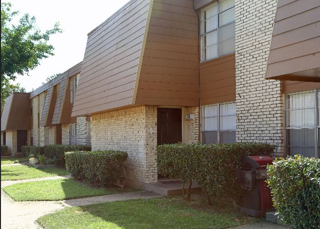 Exterior at Listing #212870