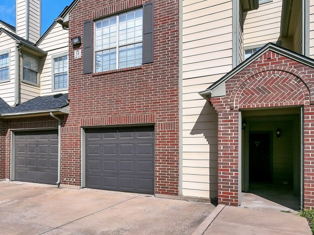 Exterior at Listing #137693