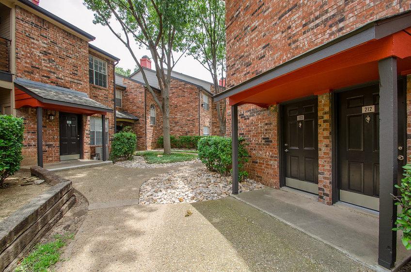 Marsh Creek Apartments Dallas, TX