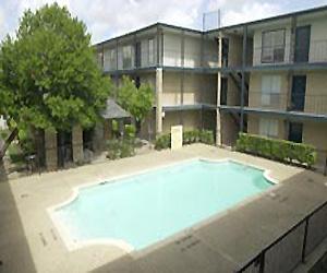 Westward Square Apartments Houston TX