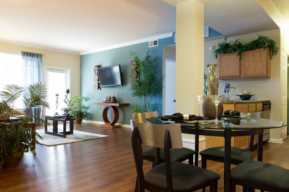 Living/Dining at Listing #140164