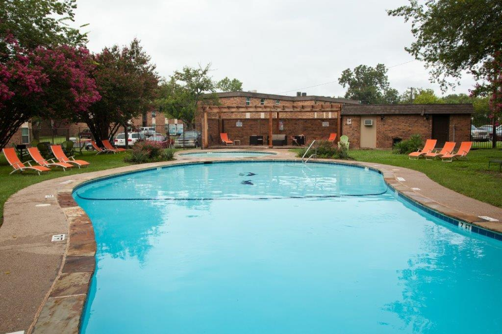 Pool at Listing #137158