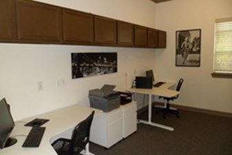 Business Center at Listing #137992