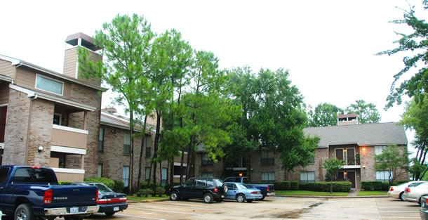 Exterior 3 Park at Listing #138620