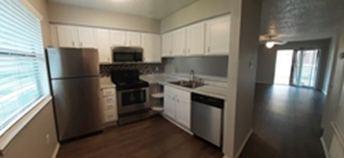 Living/Kitchen at Listing #137994