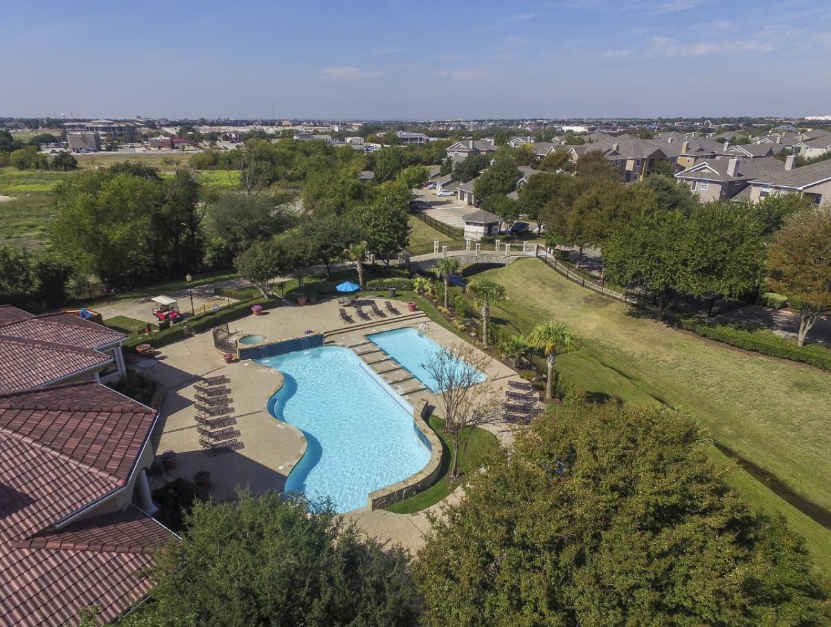 Pool at Listing #137901