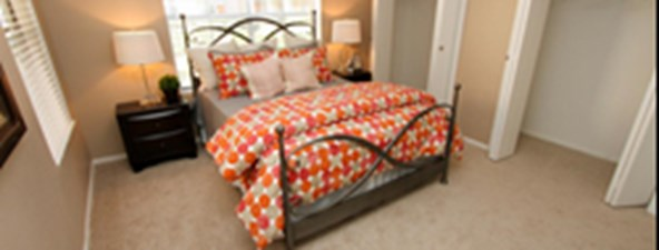 Bedroom at Listing #139881
