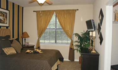Bedroom at Listing #140704