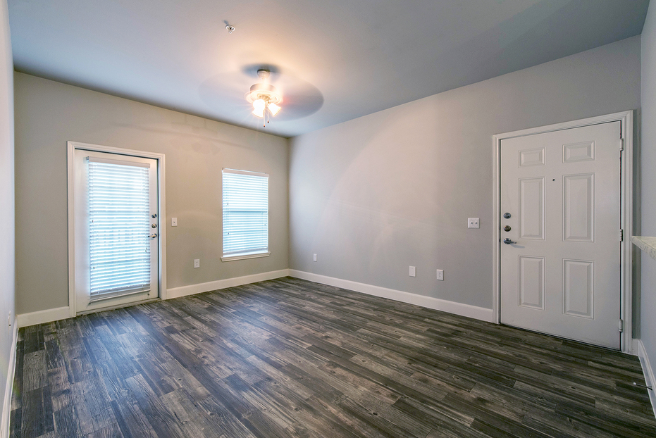 Living at Listing #145779