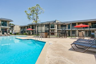 Pool at Listing #136578