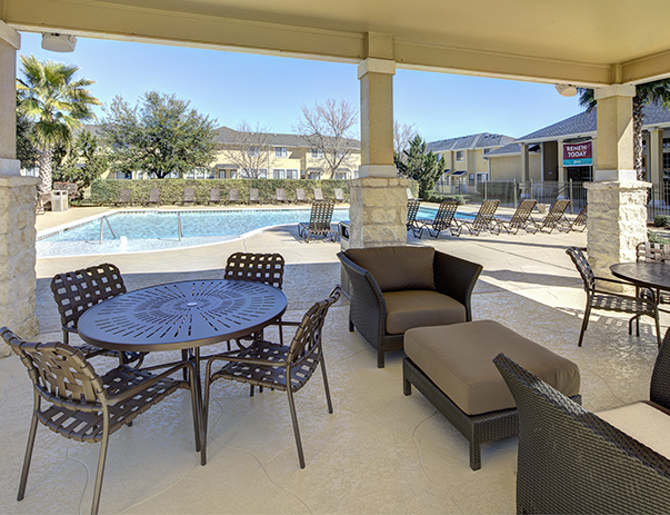 Lounge at Listing #140729
