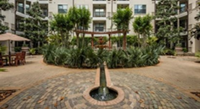 Courtyard at Listing #144129
