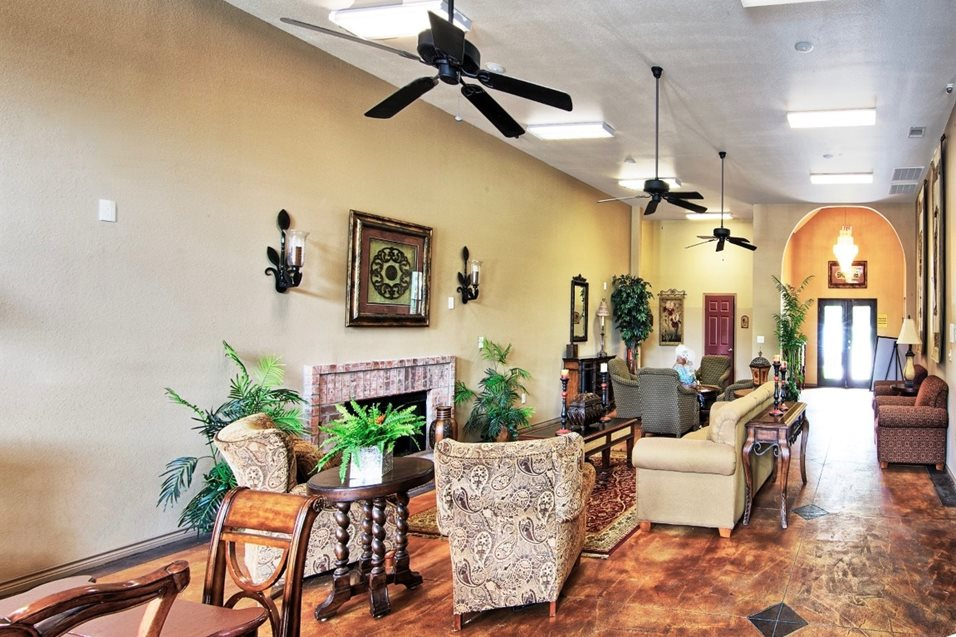 Lounge at Listing #147874