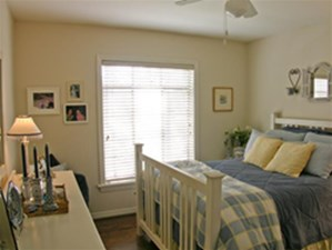 Bedroom at Listing #138076