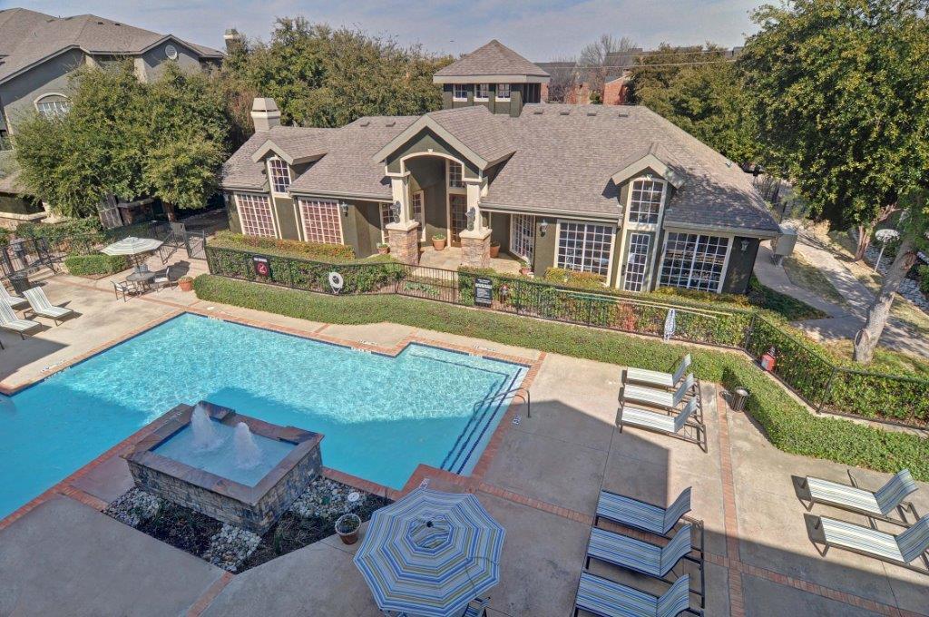 Pool at Listing #137566