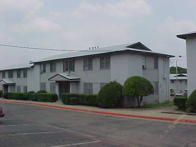 Exterior 4 at Listing #136455