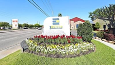 Entrance at Listing #138757
