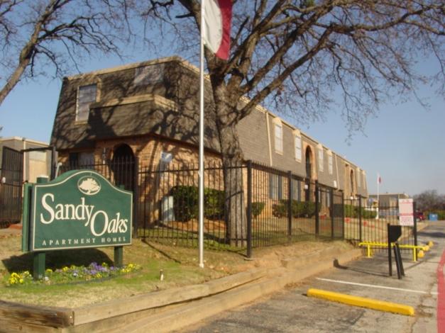 Sandy Oaks Apartments , TX
