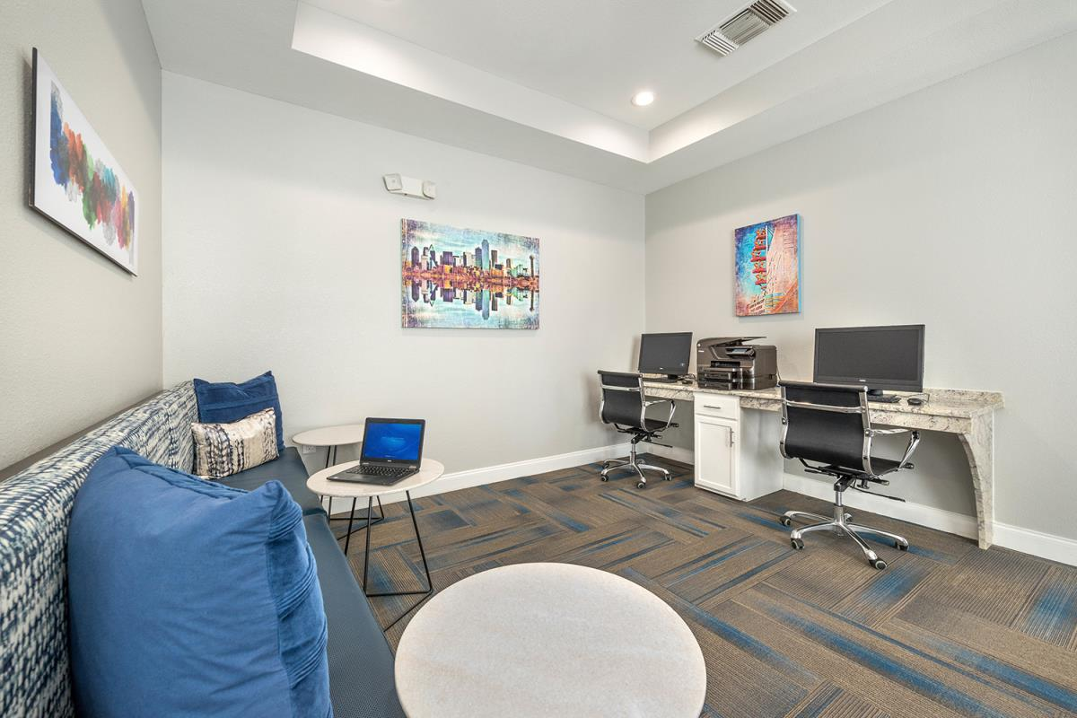 Business Center at Listing #138004
