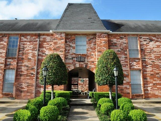 Stratford House Apartments Houston TX