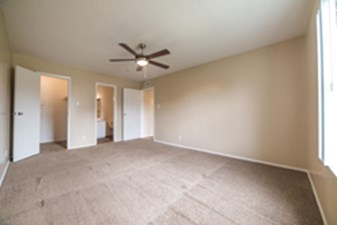 Bedroom at Listing #140907