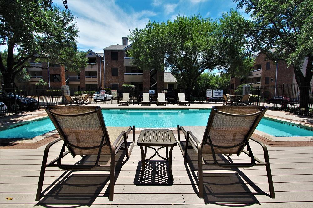 Pool at Listing #140204