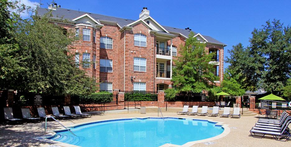 Pool at Listing #137603