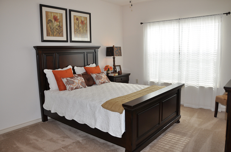 Bedroom at Listing #227272