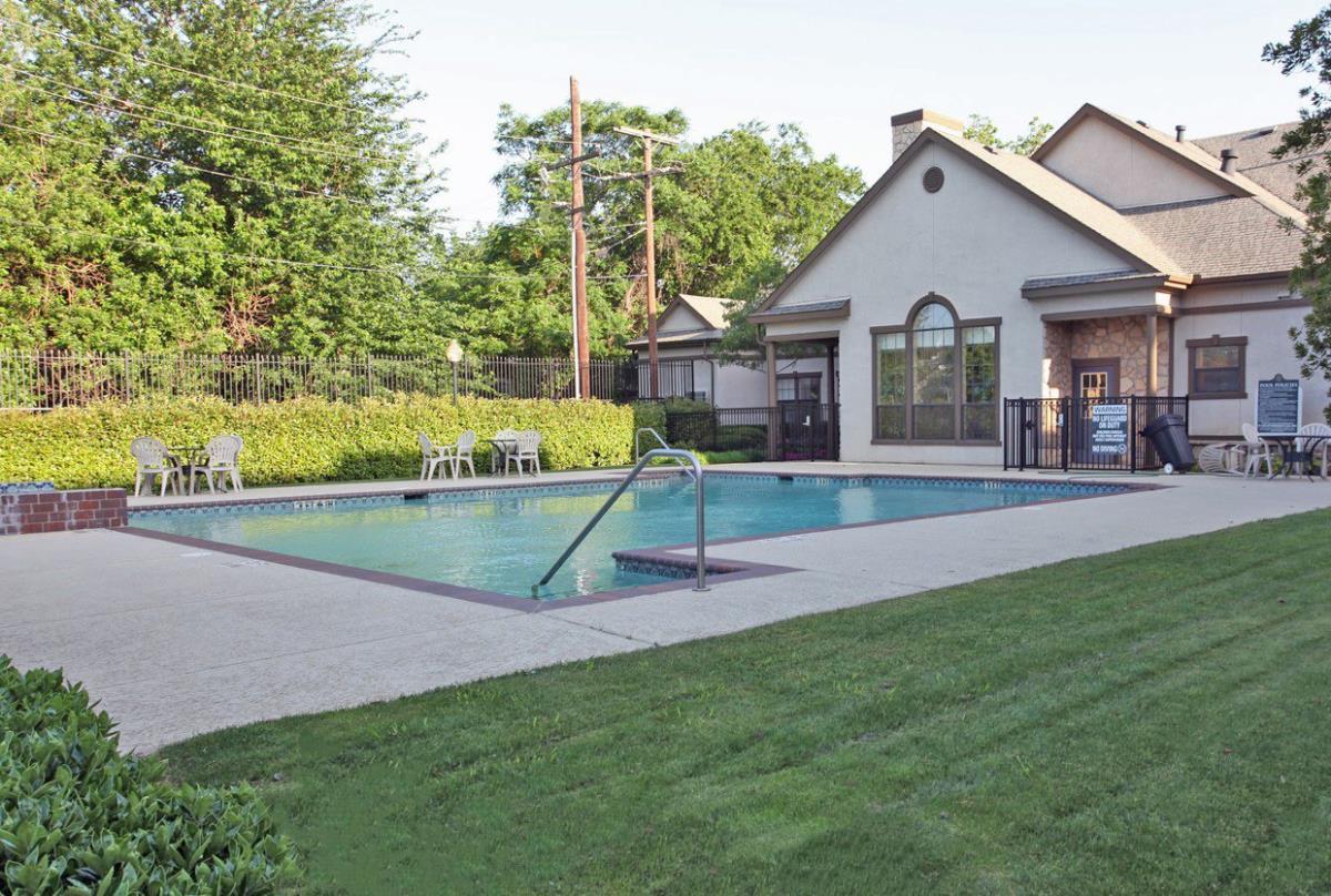 Pool at Listing #138100