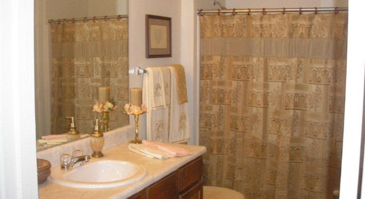 Bathroom at Listing #144695